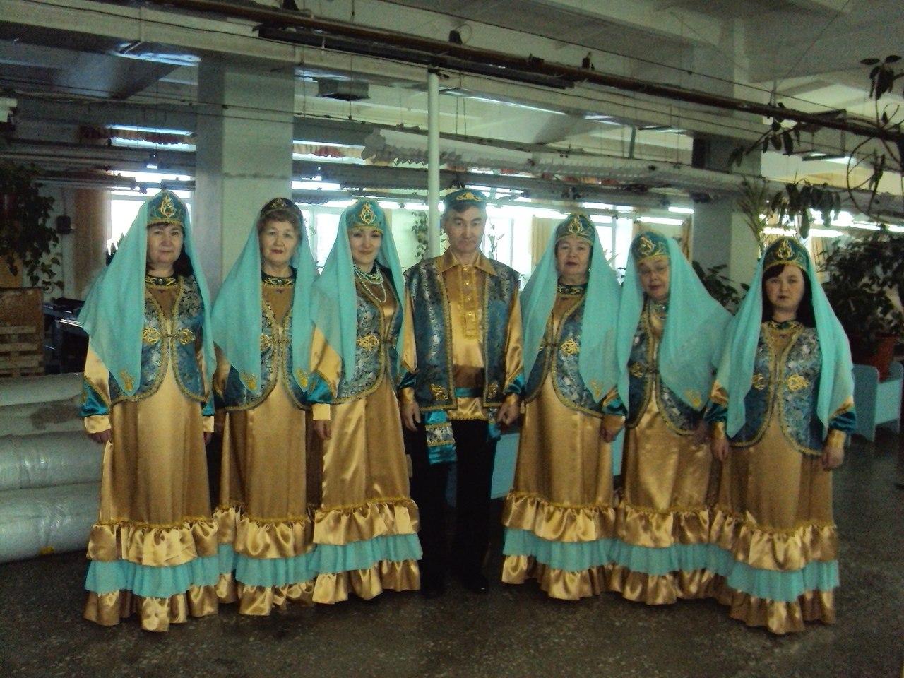 поделилась подписчиками тобольские татары фото полуторке две совмещенные
